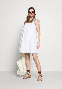 Paulina - SON OF A SUN - Korte jurk - white - 1