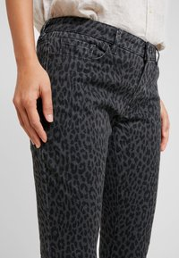 Opus - ELMA LEO - Vaqueros slim fit - slate grey melange - 3