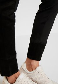 Opus - LEVINA - Spodnie materiałowe - black - 3