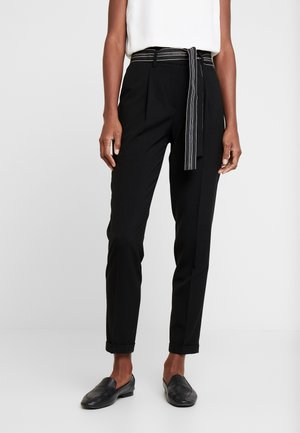 ENCHI STRIPE BELT - Pantaloni - black