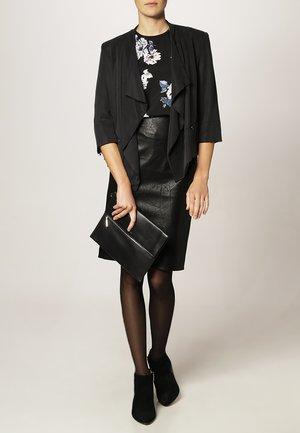 RUBIO - Pouzdrová sukně - black