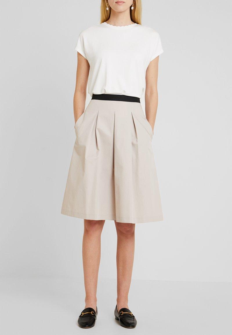 Opus - REJANA - Áčková sukně - sandshell