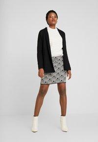 Opus - RAVENNA BABYLON - Mini skirt - black - 1