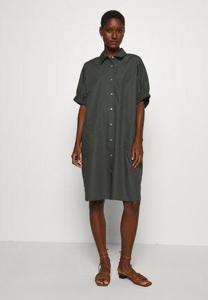 WALTI - Vestido camisero - caper