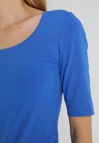 Opus - SANIKA - Jednoduché triko - blue iris - 5
