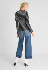 Opus - SNEZA - T-shirt à manches longues - black - 2