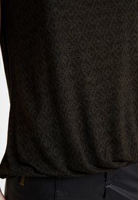Opus - STROLCHI RHOMB - T-shirt con stampa - oliv green - 4