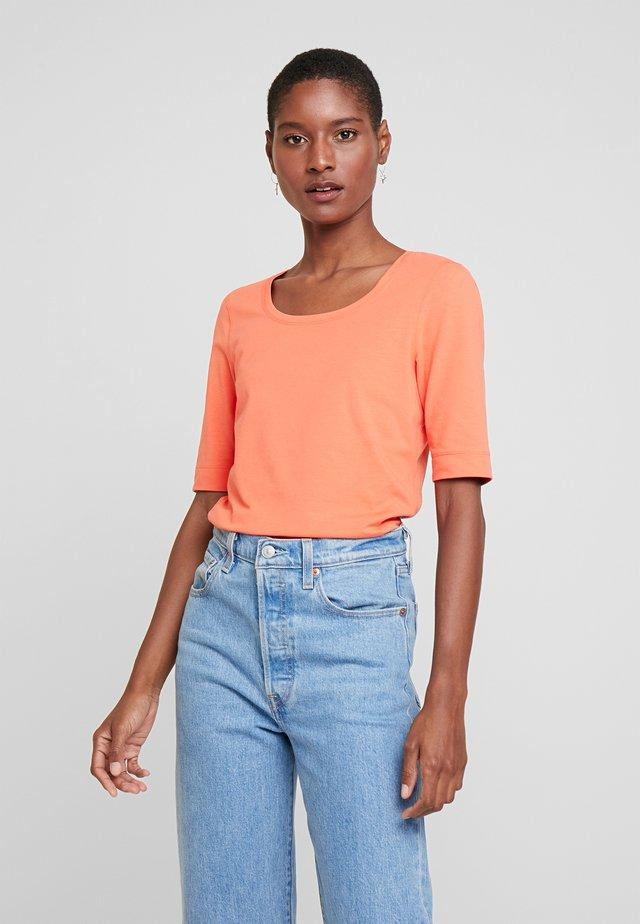 DAILY - Basic T-shirt - fresh coral