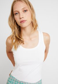 Opus - DAILY - Top - white - 4