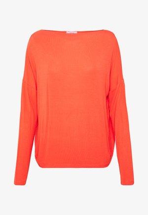 SODA - Long sleeved top - fresh coral