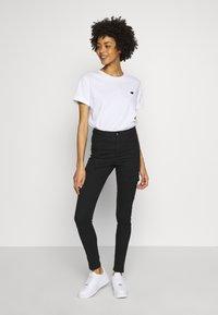 Opus - SERZ - Basic T-shirt - white - 1