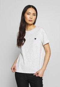 Opus - SERZ - T-shirt basic - iron grey melange - 0