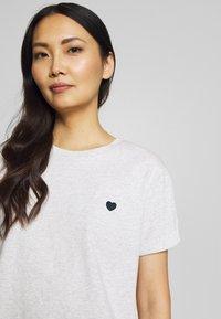 Opus - SERZ - T-shirt basic - iron grey melange - 3