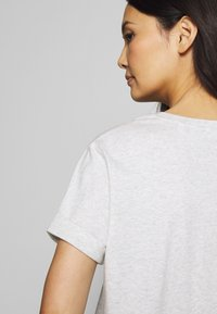 Opus - SERZ - T-shirt basic - iron grey melange - 5
