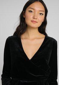 Opus - SENDOLA - Langærmede T-shirts - black - 3