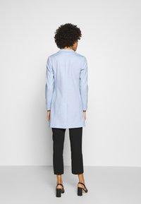 Opus - HALINI SPECIAL - Krátký kabát - morning blue - 2