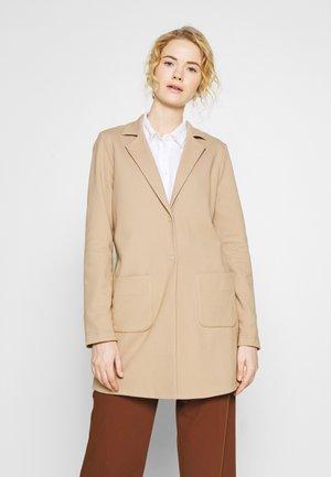 HELEN STRUCTURE - Halflange jas - beige
