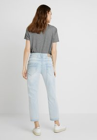Opus - LETTY - Džíny Relaxed Fit - light blue washed - 2
