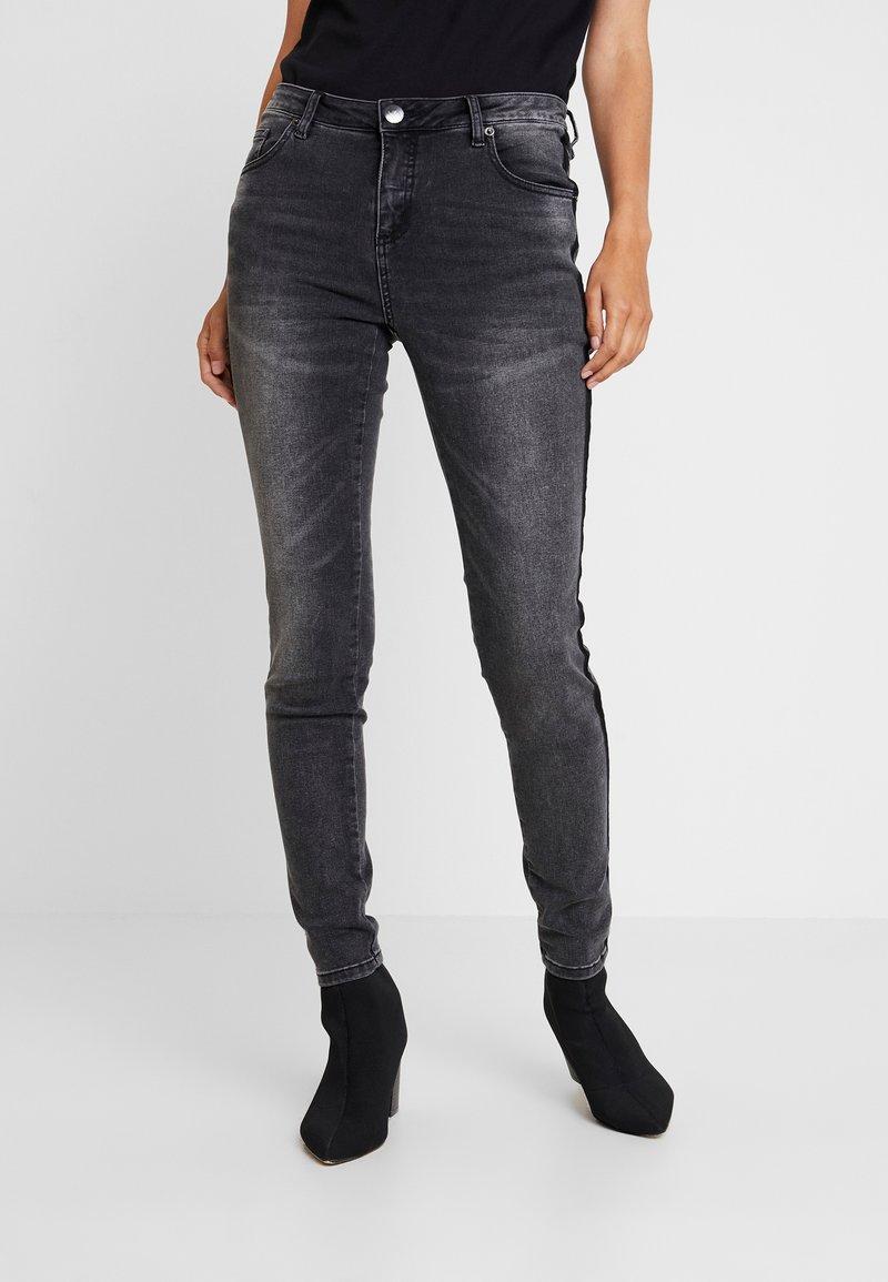 Opus - EVITA BLACK - Skinny džíny - dark black