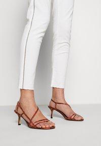 Opus - ELMA 7/8 GLITTER - Jeans Skinny Fit - white - 5