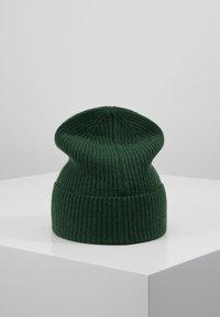 Opus - ALASI - Bonnet - greenery - 2