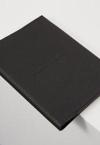 Porsche Design - VOYAGER PASSPORTHOLDER - Passport holder - black - 2