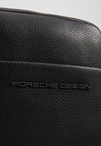 Porsche Design - CERVO 2.1 SHOULDERBAG - Umhängetasche - black - 2