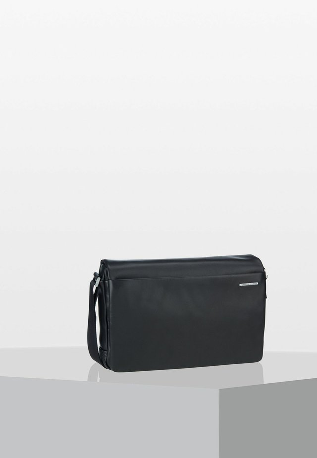 CL2 3.0 - Across body bag - black