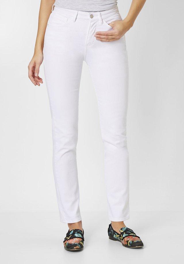 PAT  - Slim fit jeans - white