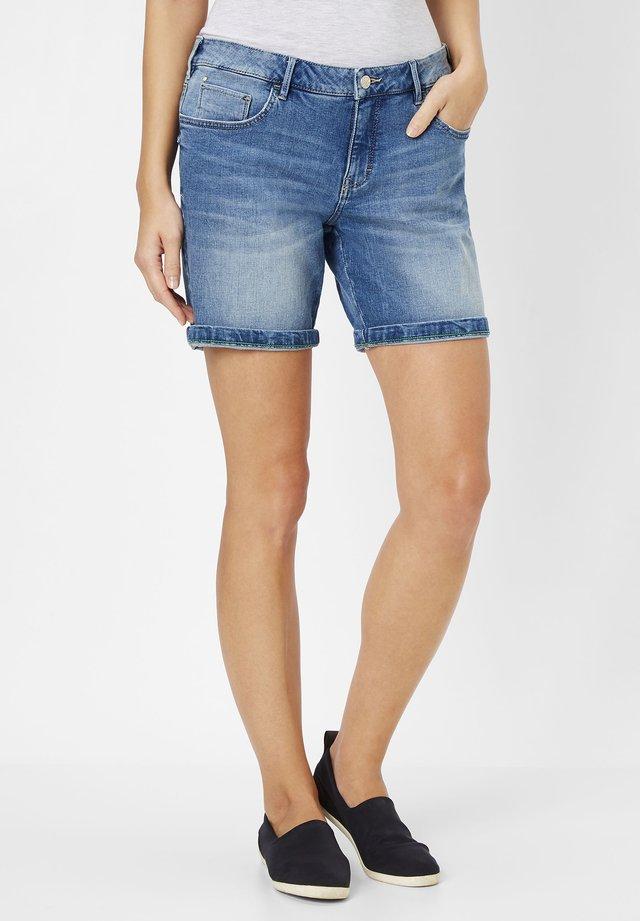 SASCHA  - Denim shorts - light blue stone