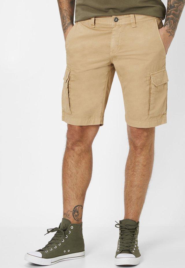 CHUCK - Shorts - camel
