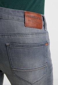 Paddock's - DEAN - Slim fit jeans - grey used - 5