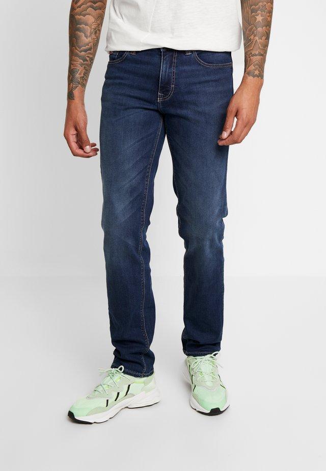 RANGER PIPE VINTAGE - Jeansy Straight Leg - mid stone blue