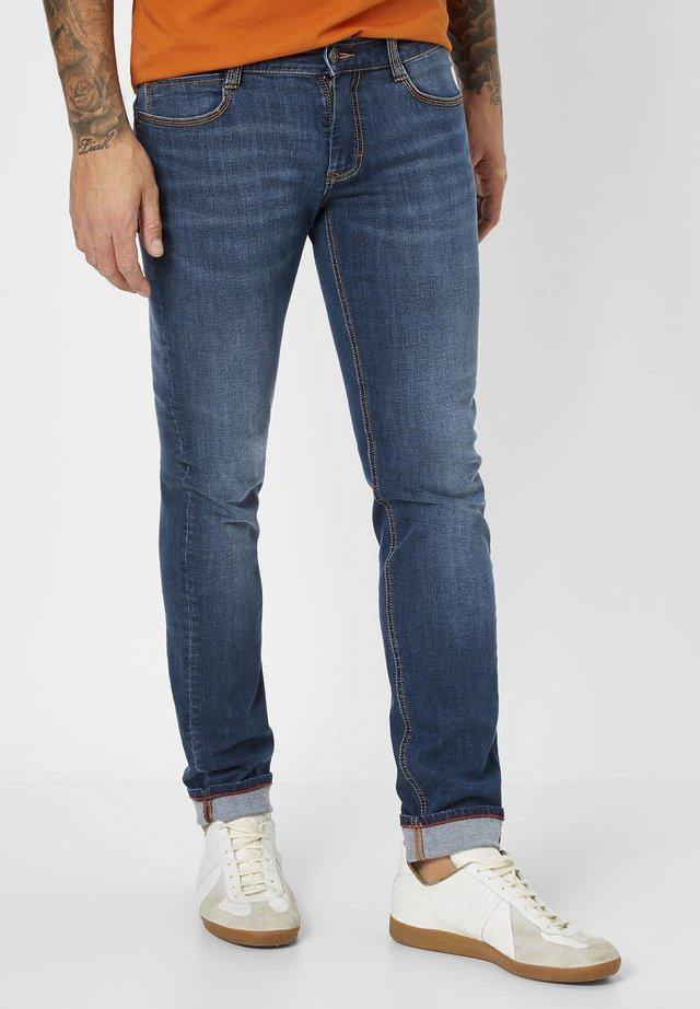 DEAN MODERNE 5-POCKET  - Straight leg jeans - medium blue