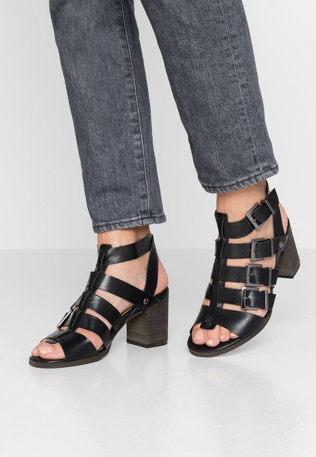Sandals - fianc