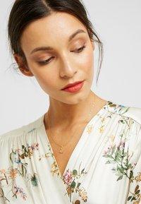 P D Paola - LETTER NECKLACE - Necklace - gold-coloured - 1