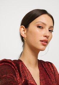 P D Paola - KOY EARRINGS - Oorbellen - gold-coloured - 1
