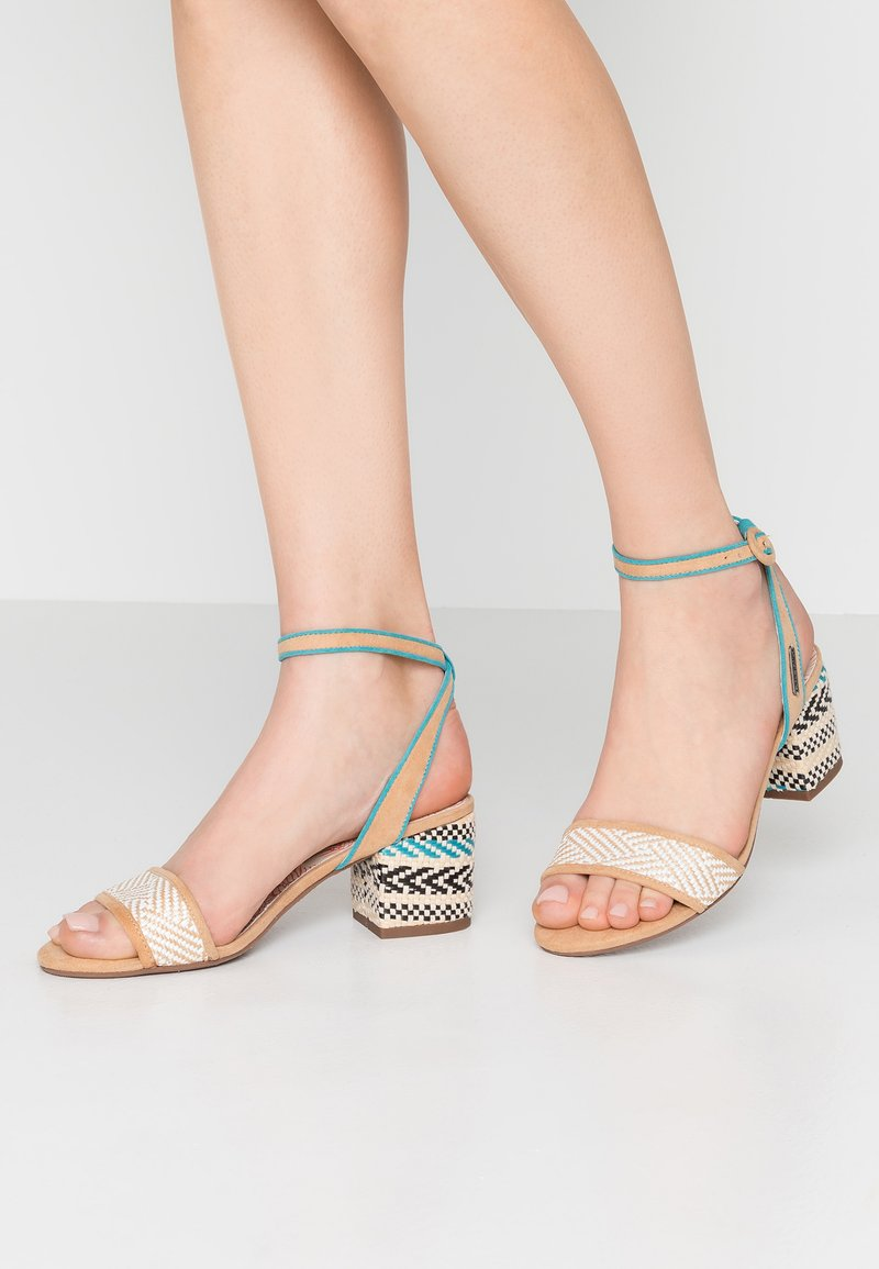 Yogi   Sandals by Pepe Jeans