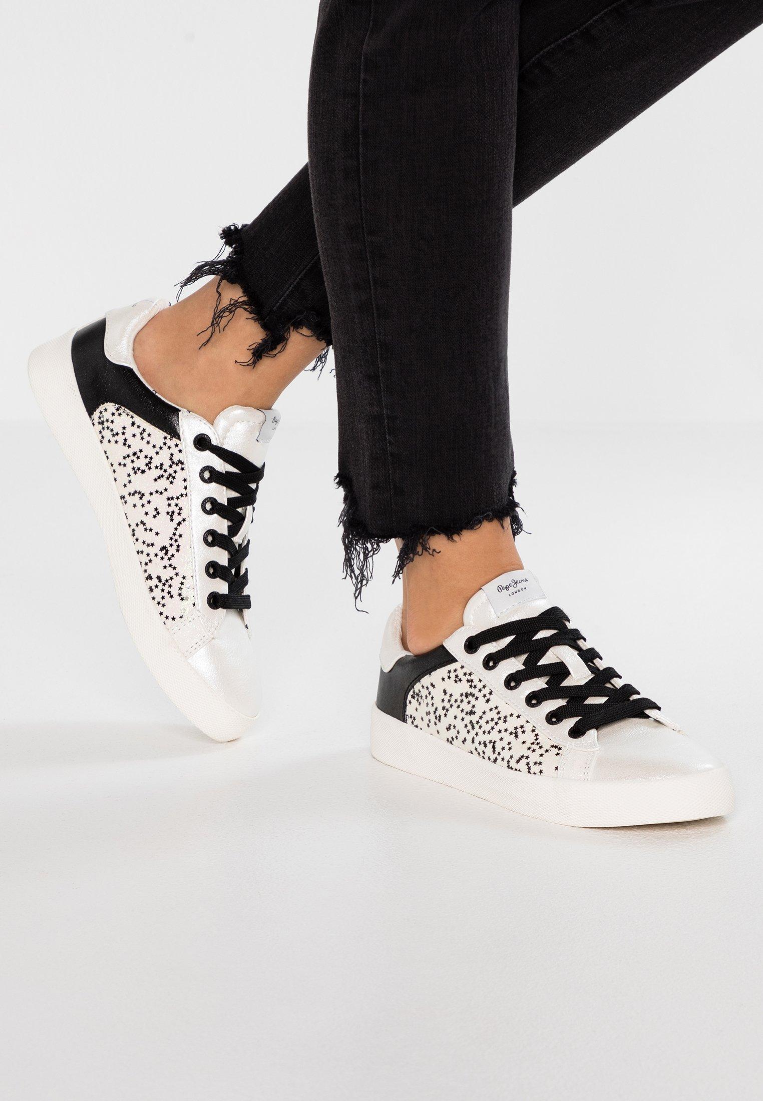KIOTO Sneakers laag offwhite