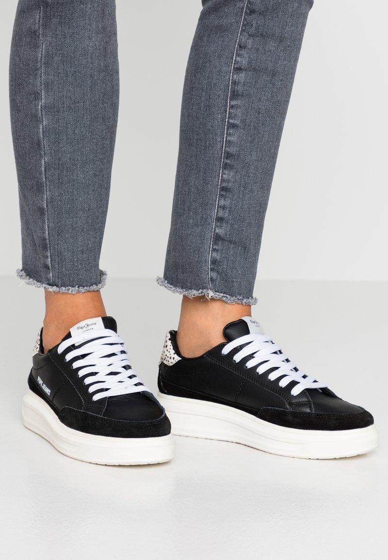 Pepe Jeans - ABBEY BASS - Sneaker low - black