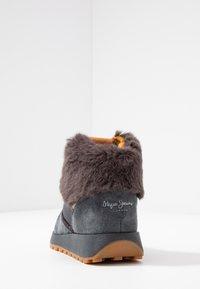 Pepe Jeans - DEAN WARM - Høye joggesko - gris - 5