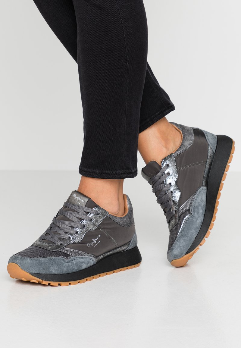 Pepe Jeans - DEAN BASS - Sneakers laag - gris