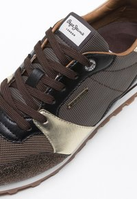Pepe Jeans - Sneakers laag - gold - 6
