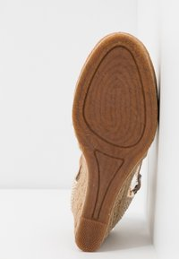 Pepe Jeans - WENDY BASS - High heeled sandals - tobacco - 6