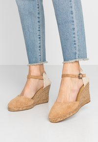 Pepe Jeans - WENDY BASS - High heeled sandals - tobacco - 0