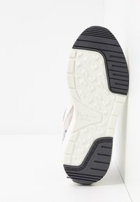 Pepe Jeans - No.22 SUSTAINABLE SNEAKER - Zapatillas - optic white - 6
