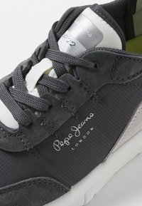 Pepe Jeans - No.22 SUSTAINABLE SNEAKER - Sneaker low - anthrazit - 6