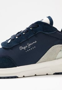Pepe Jeans - No.22 SUSTAINABLE SNEAKER - Trainers - navy - 2