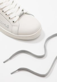 Pepe Jeans - BROMPTON SEQUINS - Trainers - silver - 7