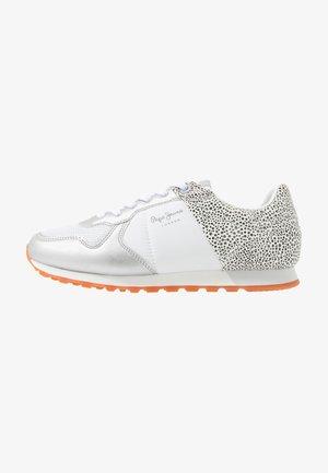 VERONA - Sneakers basse - white